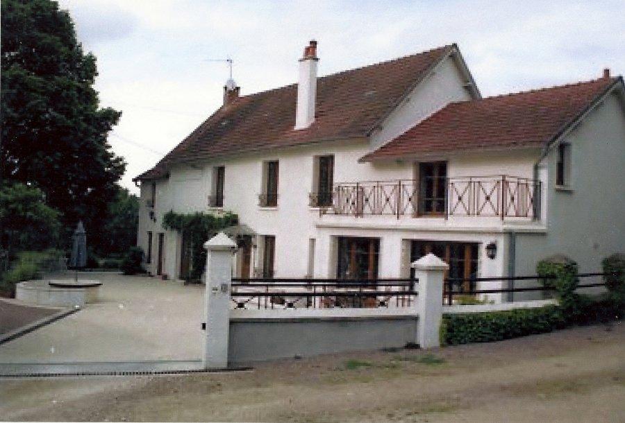 a 2h de paris maison 290m2+ piscine +terrain 1ha offre Maison à vendre